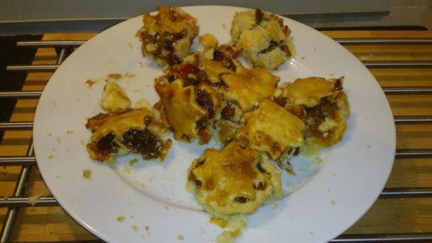 Broken mince pies :'(