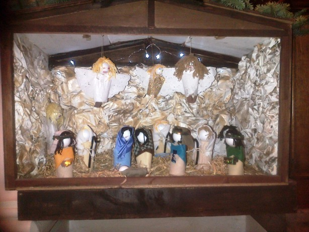 All the figures in the crib in church